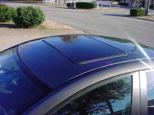 2010 Mazda 3 Gets Vent Sunroof